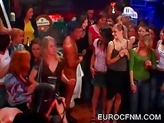 Amateurs giving BJ to stripper