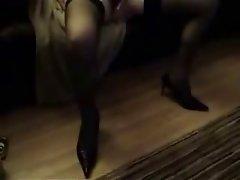 amature masturbating on sofa to porn