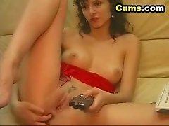 Horny Babe Fingering her Butt