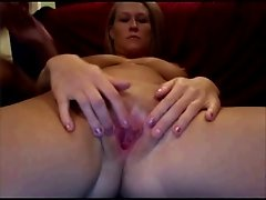 Couple Plays on Cam