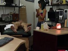 Tight gal pawns her massage table n fuck
