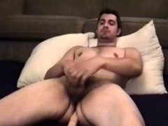 Amateur Andrew Beats Off With Toy