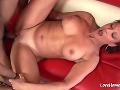 Unexperienced bombshell deepthroating and getting boned stiff