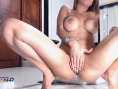 Mya Luanna jerk off her partner in the shower room