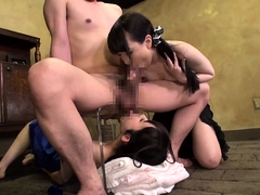 Blindfolded Japanese guys getting kinky oral service