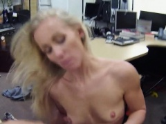 Amateur chick banged by sleek fucker
