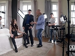 Gangbang Turnaround: This is What Really Happens On A Porn Set!