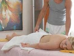 Sexy ramming of a wet and cumhole in massage room