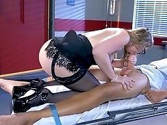 Patient strapped down so the horny doctor can ride him