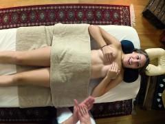 Massaged hottie on spycam
