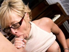 Vehement older hottie goes hardcore to get sticky creampie