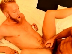 Download video porn young gay asia The Boss Gets Some Muscle