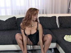 Sex bomb amateur milf in corset black