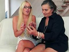Beautiful teen blonde loves hairy granny