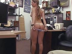 Cutie blonde chick lets her pussy get pounded
