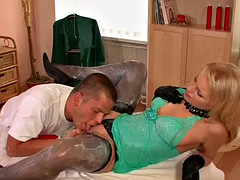 hot blonde with a messy fetish gets her pussy nailed by the masseuse