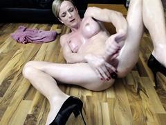 Busty webcam shemale in high heels loves to make herself cum