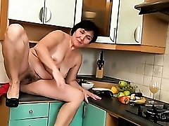 Fruits and veggies pleasure her wet mature pussy