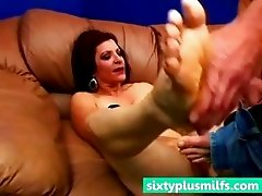 Mature slut fucked by muscle stud