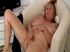 Saggy Granny 2