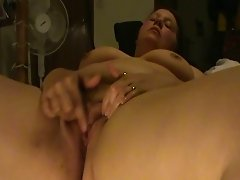 blonde rub clit to contract,squirting orgasms
